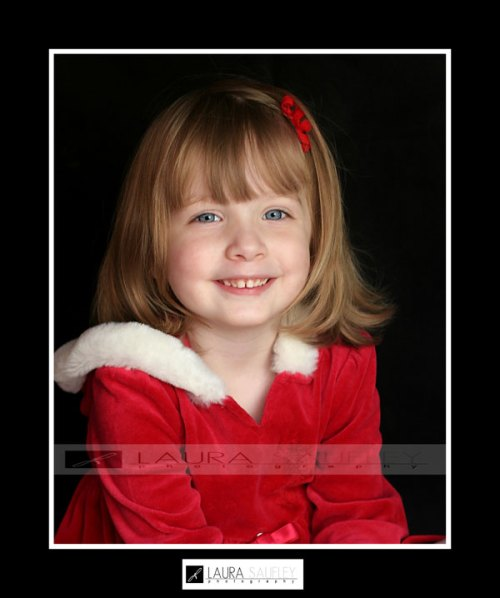 madalyn-christmas-portrait