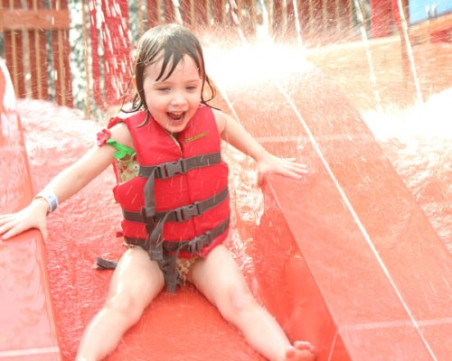 madalyn-waterpark-2-slide
